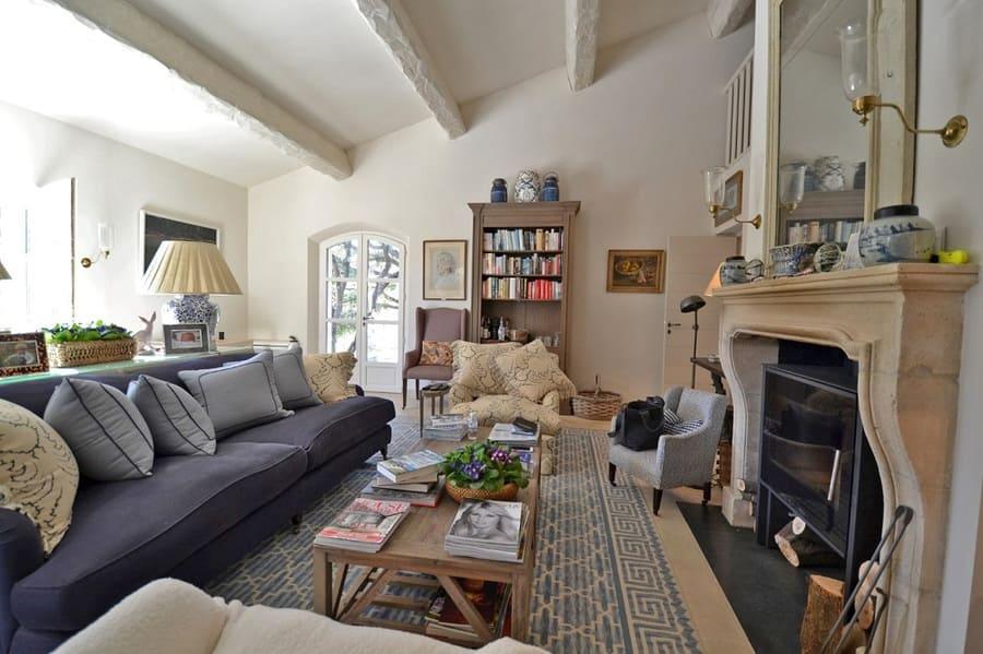 Living Room at Oleander 21 Villa - Photo credit VillaRental