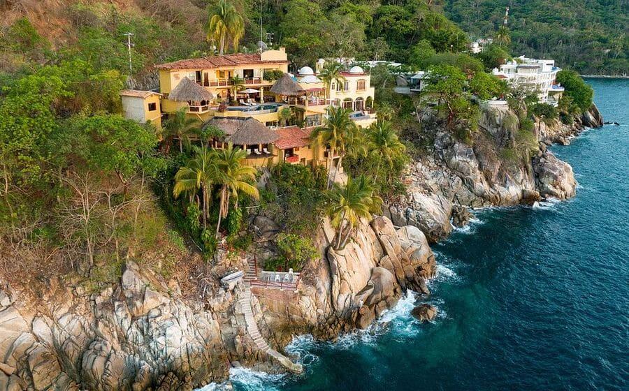 Exterior view - Photo credit Villa Los Arcos