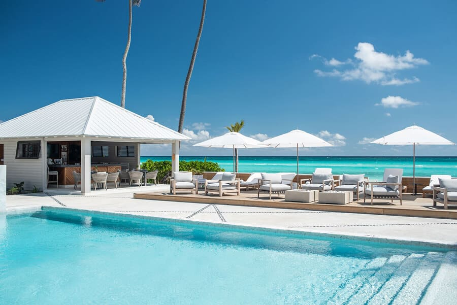 Front pool - Photo credit Caerula Mar Club