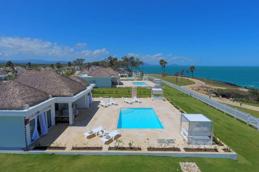 Oceanfront villas at Ocean Village Deluxe Resort & Spa - Photo credit Expedia