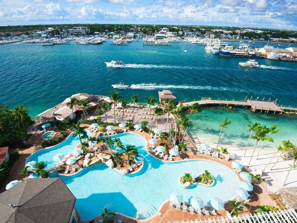 Pool overview - Photo credit Warwick Paradise Island Bahamas