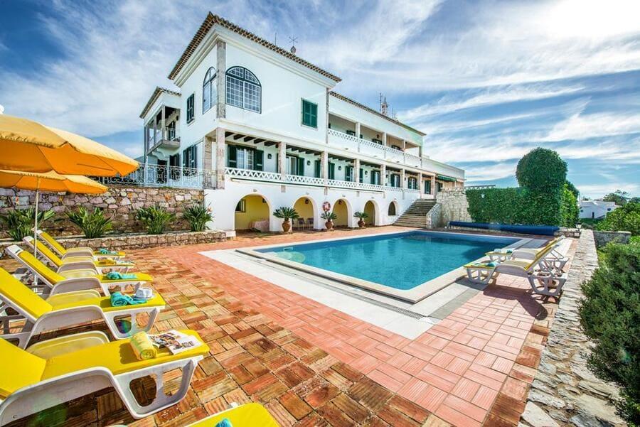 Villa Ferraguodo - Lagoa - Photo credit OliversTravels